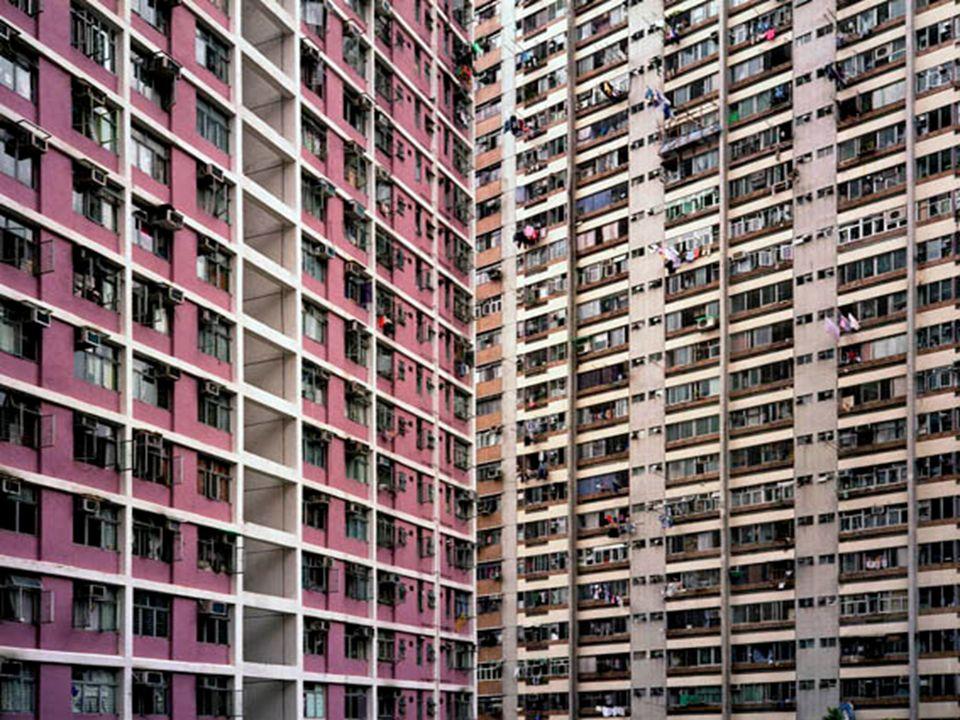 ll turista si aspetta di vedere in Cina città più o meno come quelle italiane con pagode al posto delle chiese e palazzi in stile orientale. Nulla di