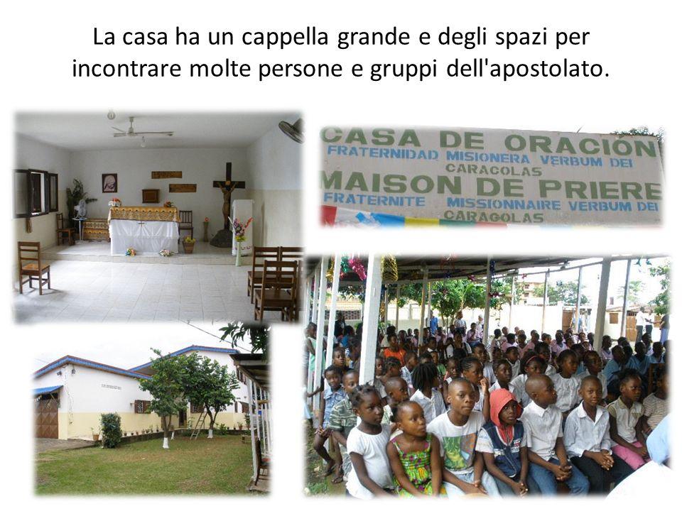 La casa ha un cappella grande e degli spazi per incontrare molte persone e gruppi dell'apostolato.