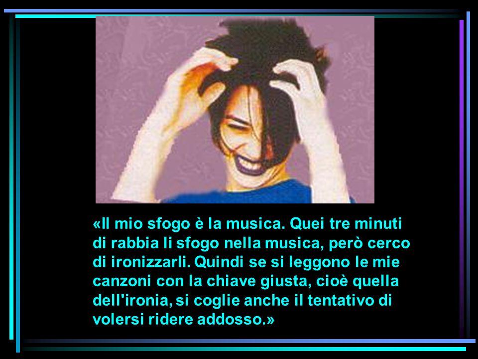 Non hai mai pensato di cantare in un altra lingua, di tradurre i tuoi testi in una lingua che non sia l italiano.
