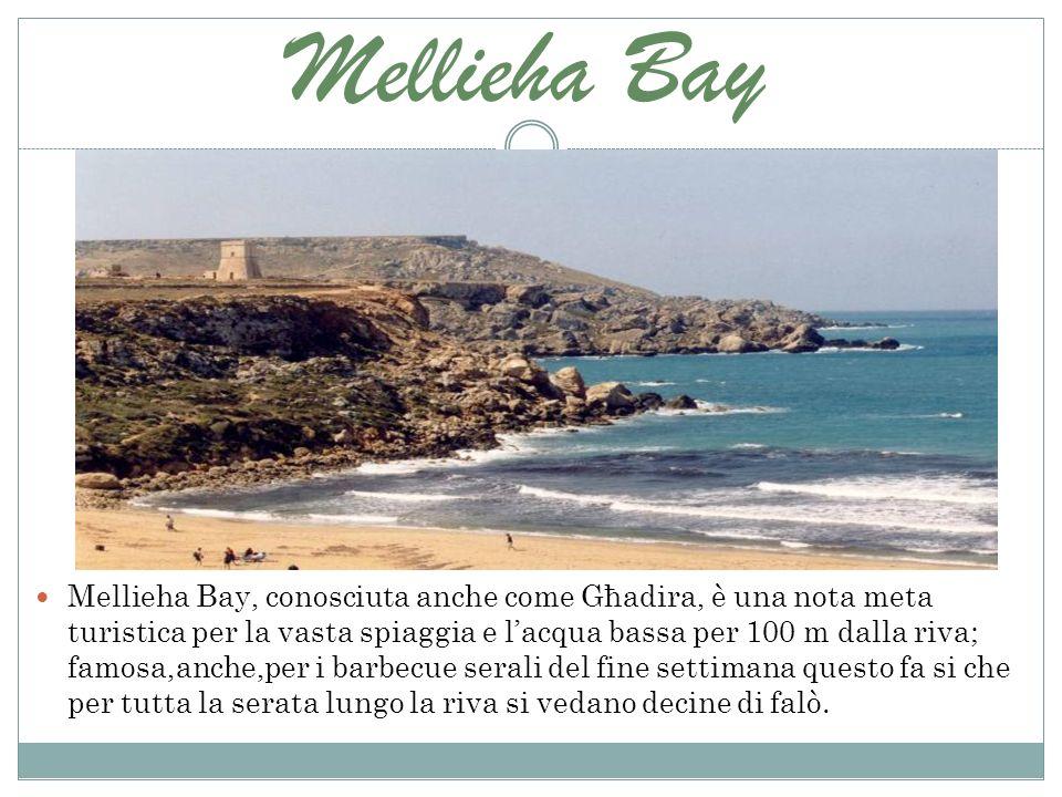 Mellieha Bay Mellieha Bay, conosciuta anche come Għadira, è una nota meta turistica per la vasta spiaggia e lacqua bassa per 100 m dalla riva; famosa,