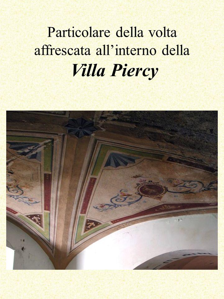 Particolare della volta affrescata allinterno della Villa Piercy