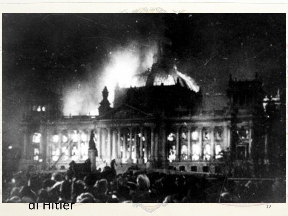 Hitler al potere Gli sviluppi tattici furono scelti di volta in volta, ma sempre con una coerenza impressionante e sempre più terrificante per gli avversari Tra il 1933 e il 1934 lazione politica del nazismo si risolse soprattutto nel suo consolidamento interno: annichilimento di qualunque opposizione e concentrazione di tutti i poteri nelle mani di Hitler 19