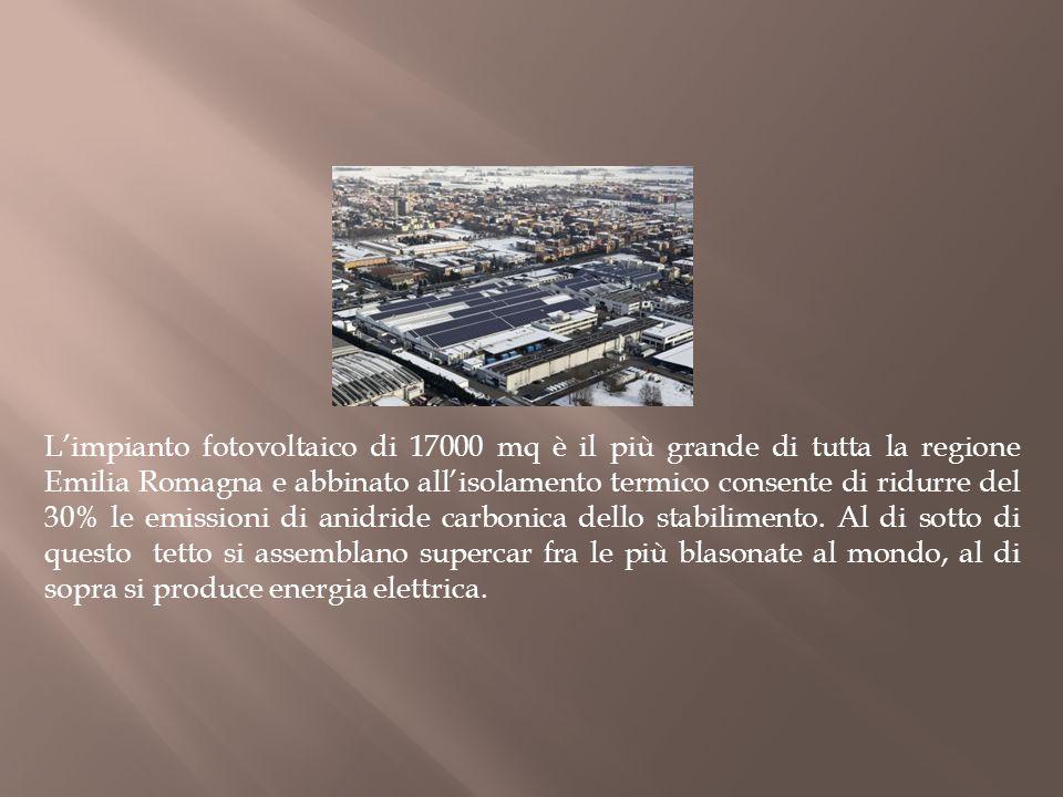 Limpianto fotovoltaico di 17000 mq è il più grande di tutta la regione Emilia Romagna e abbinato allisolamento termico consente di ridurre del 30% le