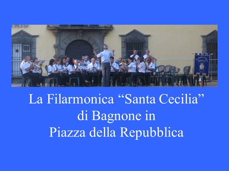 La Filarmonica Santa Cecilia di Bagnone in Piazza della Repubblica