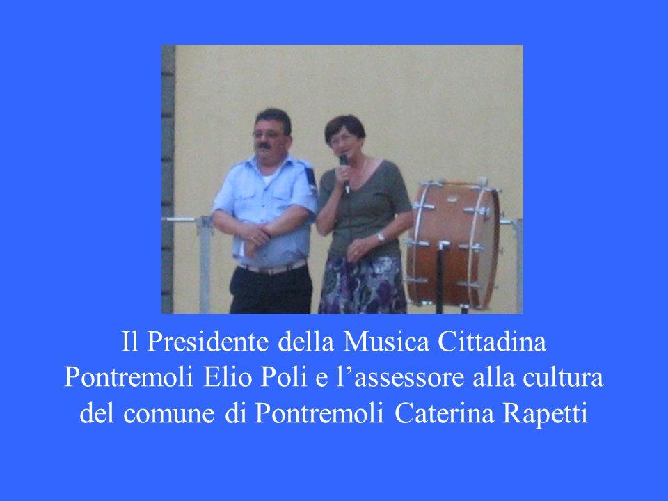 Il Presidente della Musica Cittadina Pontremoli Elio Poli e lassessore alla cultura del comune di Pontremoli Caterina Rapetti