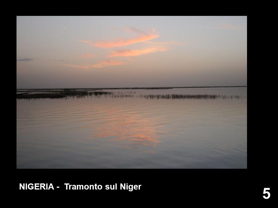 5 5 NIGERIA - Tramonto sul Niger