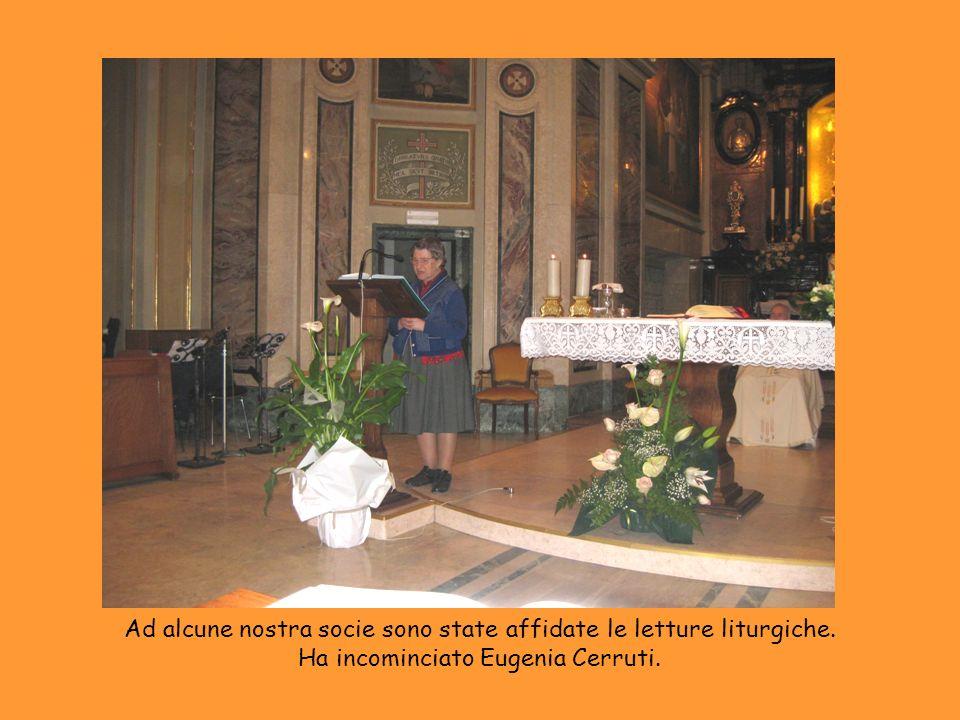 Ad alcune nostra socie sono state affidate le letture liturgiche. Ha incominciato Eugenia Cerruti.