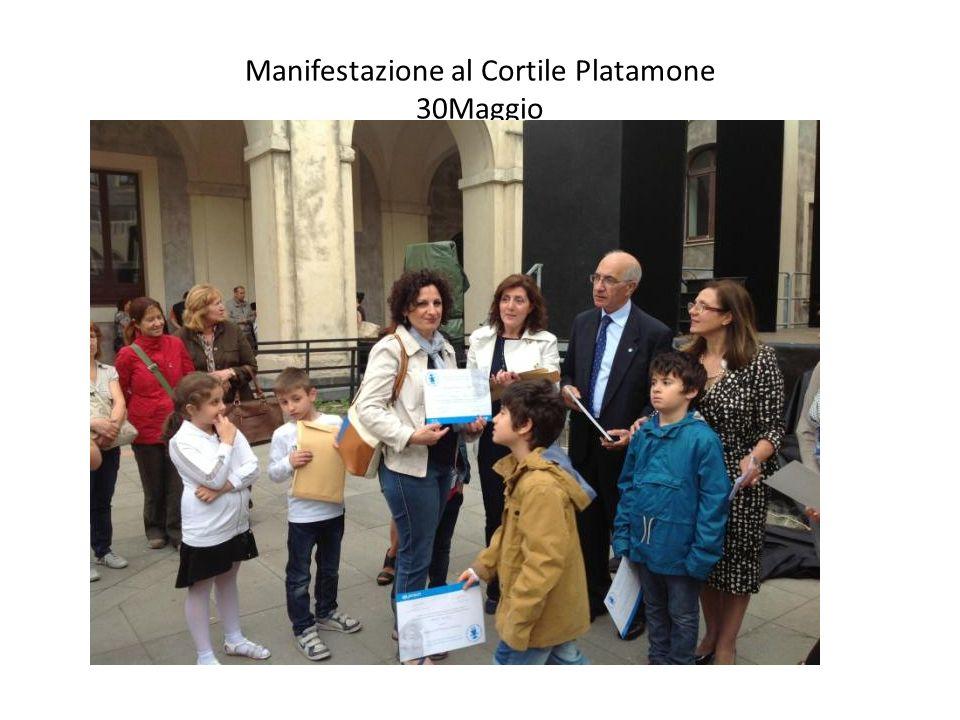 Manifestazione al Cortile Platamone 30Maggio