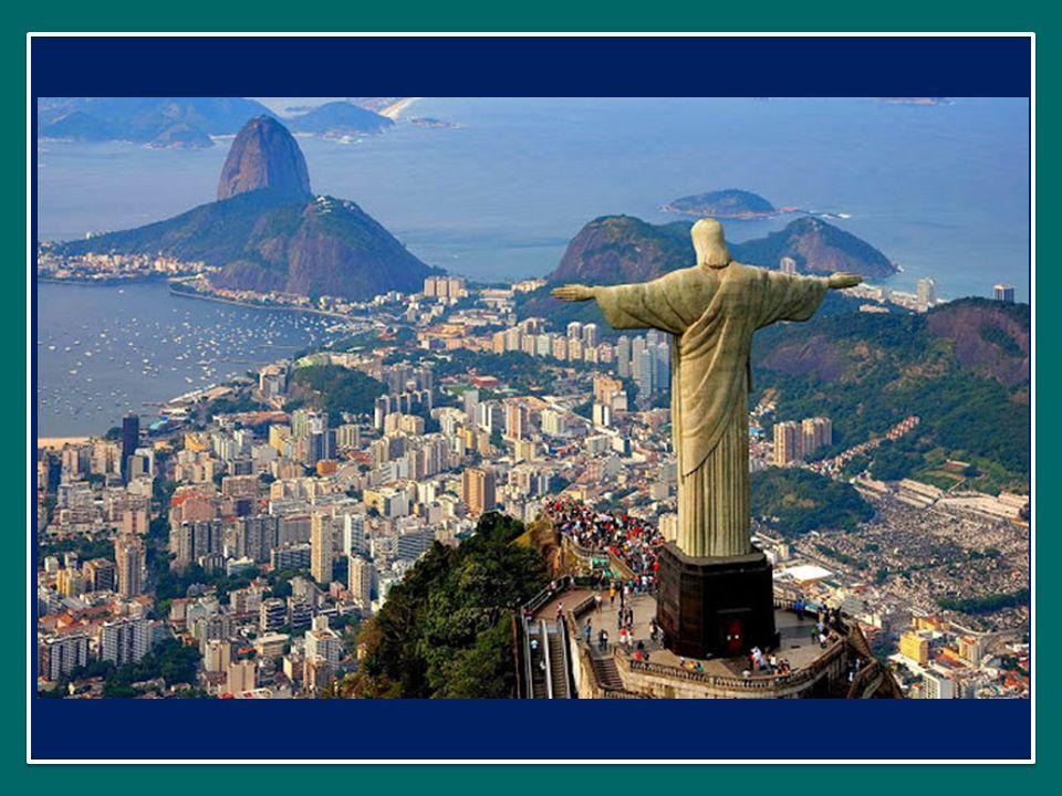 E di questo ringrazio anche Nostra Signora Aparecida, che ha accompagnato tutto questo viaggio: ho fatto il pellegrinaggio al grande Santuario nazionale brasiliano, e la sua venerata immagine era sempre presente sul palco della GMG.