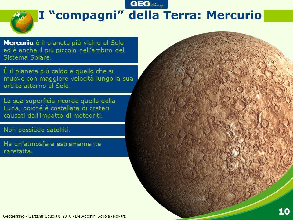 La sua superficie ricorda quella della Luna, poiché è costellata di crateri causati dallimpatto di meteoriti. Non possiede satelliti. Ha unatmosfera e