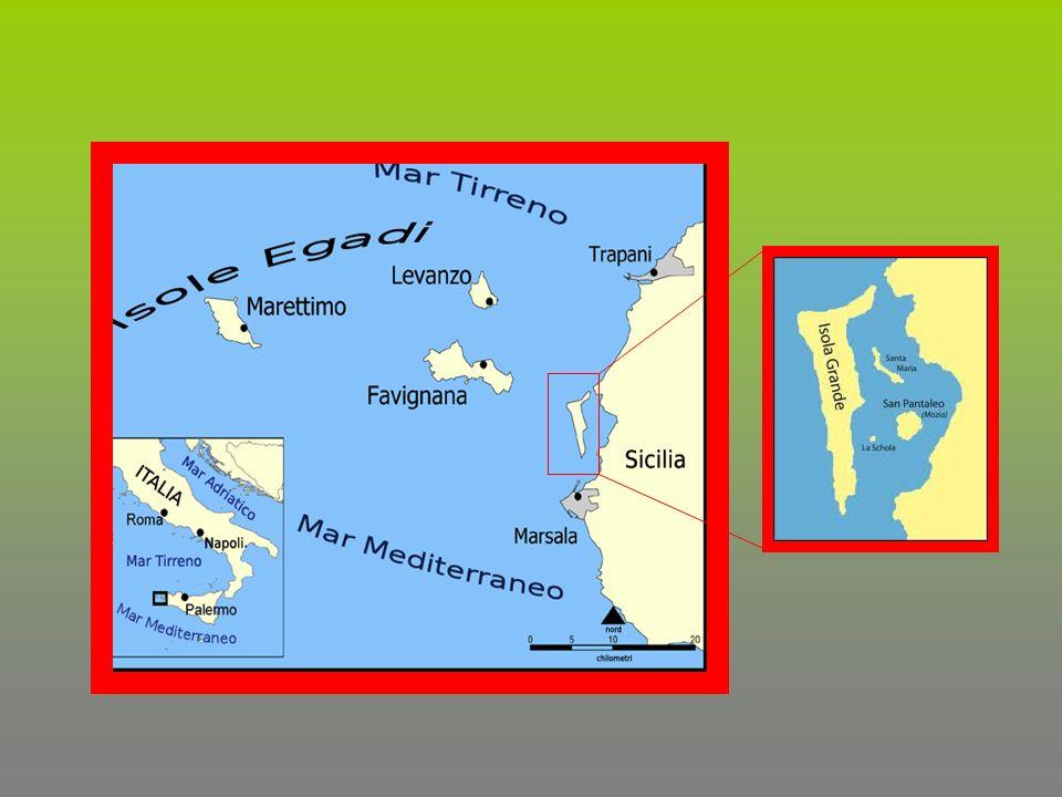 L arcipelago delle Isole Egadi è formato da tre isole principali e due minori, posto a circa 7 km dalla costa occidentale della Sicilia, fra Marsala e