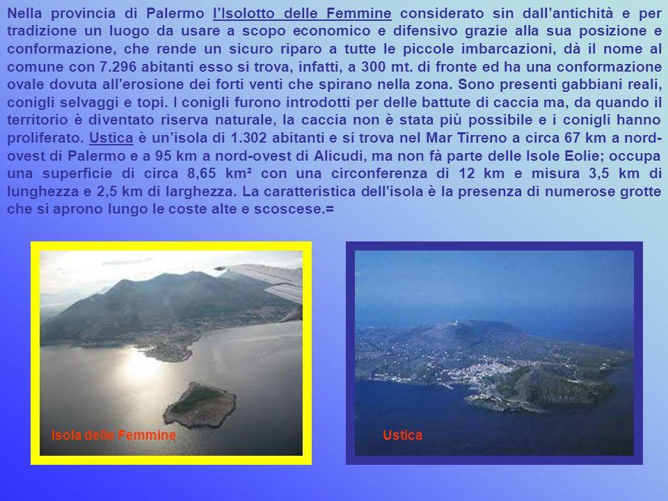 A pochi chilometri dal centro abitato di Marsala si trova lo Stagnone, la più grande laguna della Sicilia, con il suo micro arcipelago di isole. L'iso