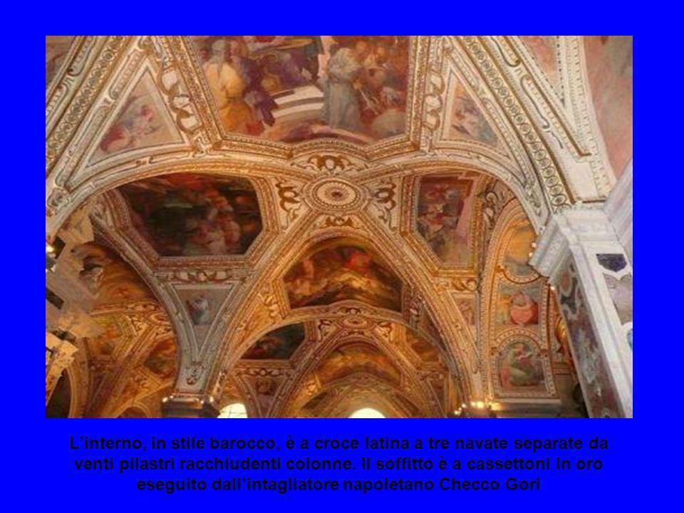 Il Duomo, simbolo di Amalfi, è una Cattedrale ed è dedicato a SantAndrea Apostolo è costituito da 2 basiliche: la Basilica del Crocifisso, risalente a