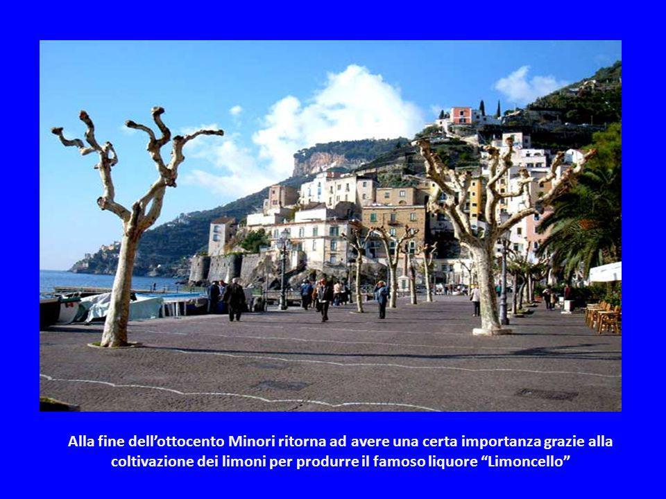 Minori era uno dei principali cantieri della Repubblica marinara di Amalfi. Nel medioevo fu saccheggiata dai Pisani poi nel 1656 fu decimata dalla pes