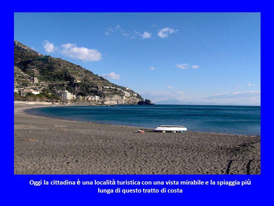 Nel 1343 anche Maiori, come gran parte del litorale della Costiera, fu distrutta da una mareggiata. Dal 1811 al 1860 è stato capoluogo dell'omonimo ci