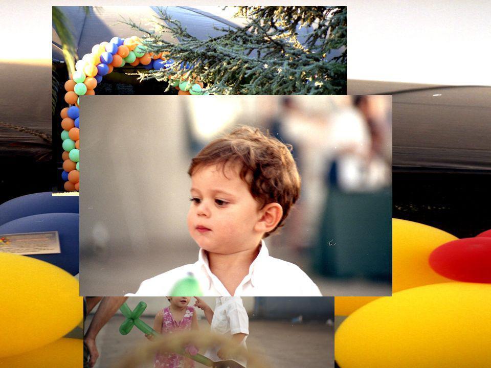Palloncini colorati, clown giocosi: ecco lallegro spazio dei bambini e dei SORRISI!