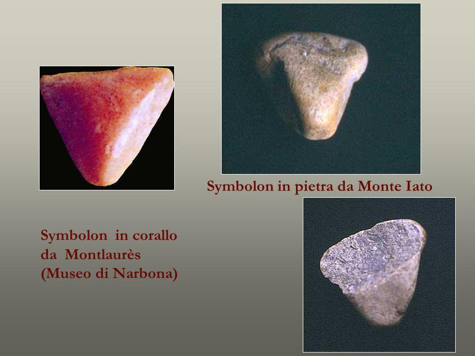 Symbolon in corallo da Montlaurès (Museo di Narbona) Symbolon in pietra da Monte Iato