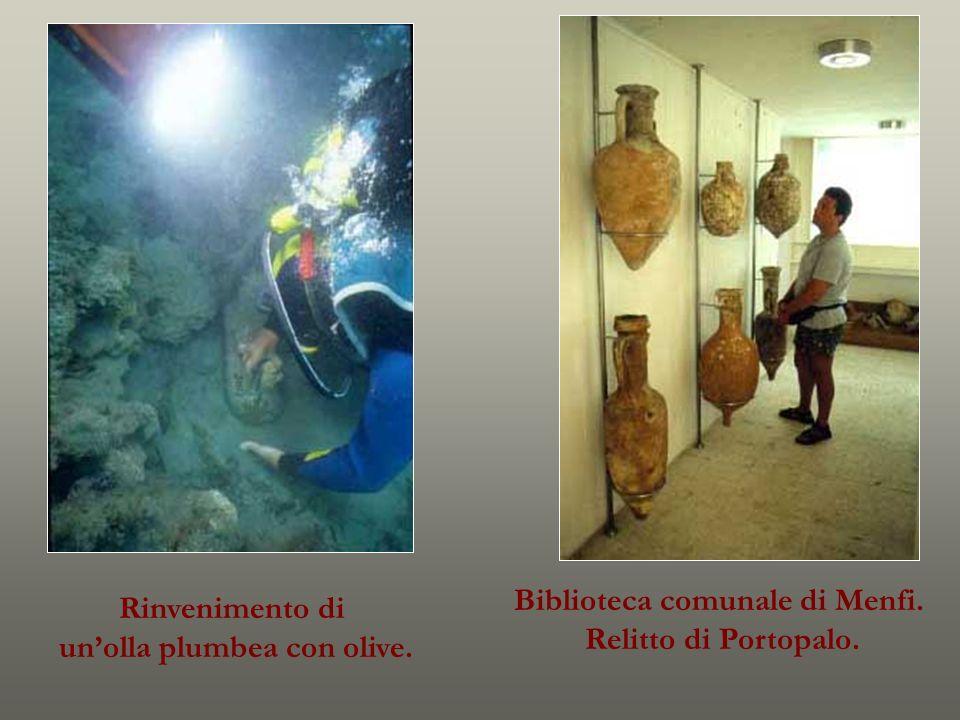 Biblioteca comunale di Menfi. Relitto di Portopalo. Rinvenimento di unolla plumbea con olive.