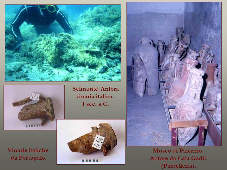 Museo di Palermo. Anfore da Cala Gadir (Pantelleria). Selinunte. Anfora vinaria italica. I sec. a.C. Vinarie italiche da Portopalo.
