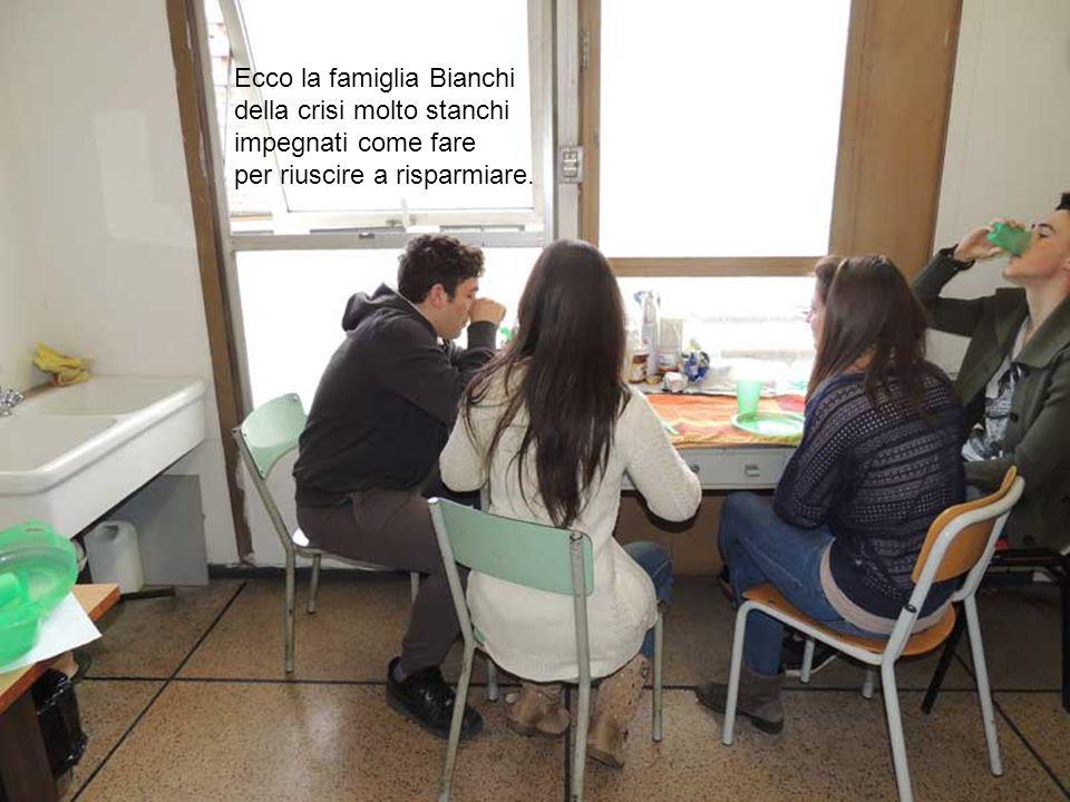 Ecco la famiglia Bianchi della crisi molto stanchi impegnati come fare per riuscire a risparmiare.