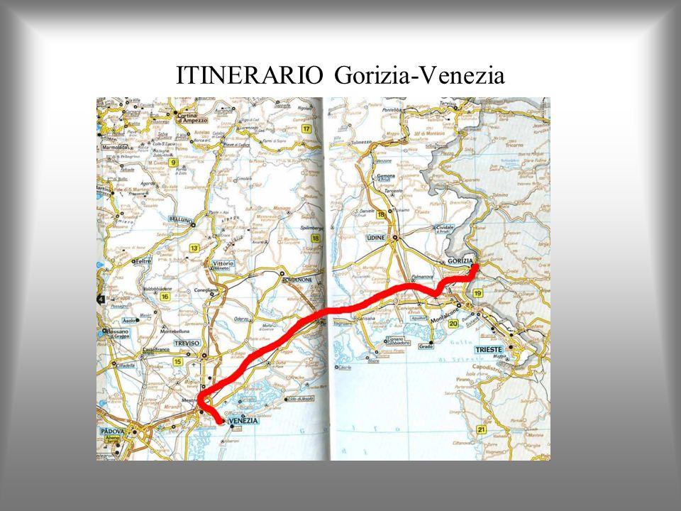Dopo il Congresso di Vienna del 1814-15 divenne con Milano la capitale del Regno Lombardo-Veneto.