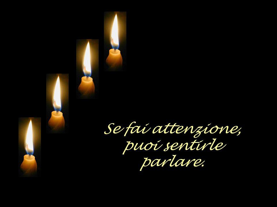 Quattro candele si consumano lentamente.