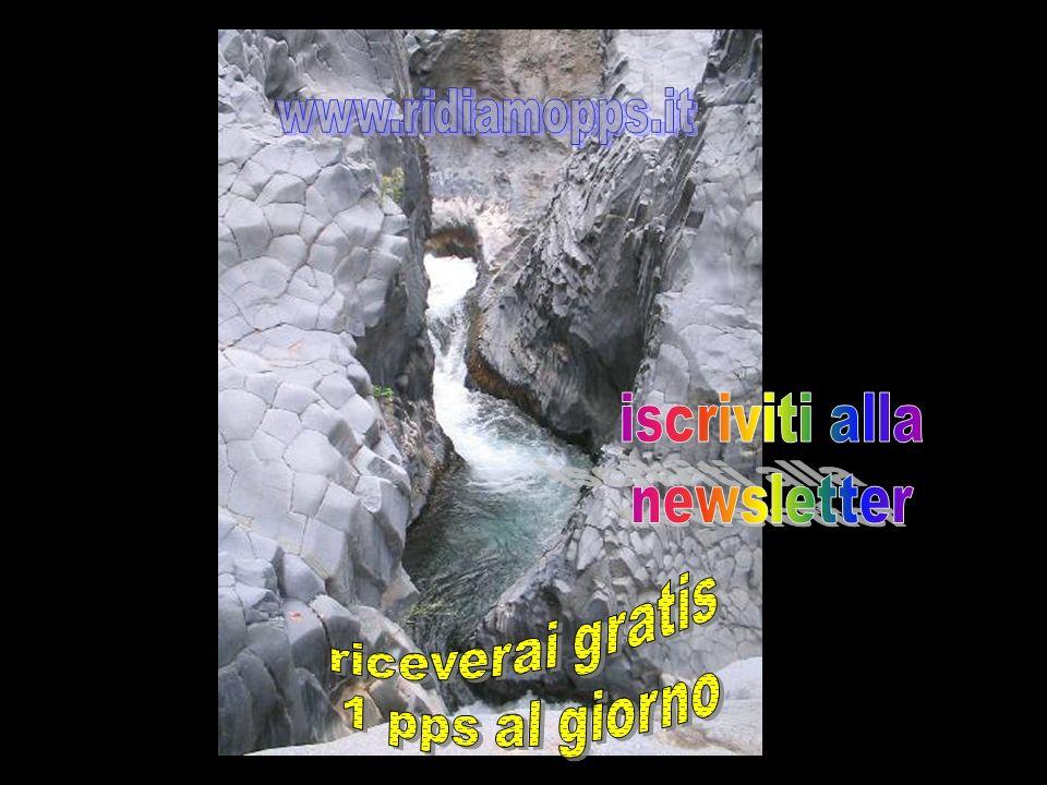 Le Gole dellAlcantara si trovano a circa 15 chilometri da Taormina (Sicilia)