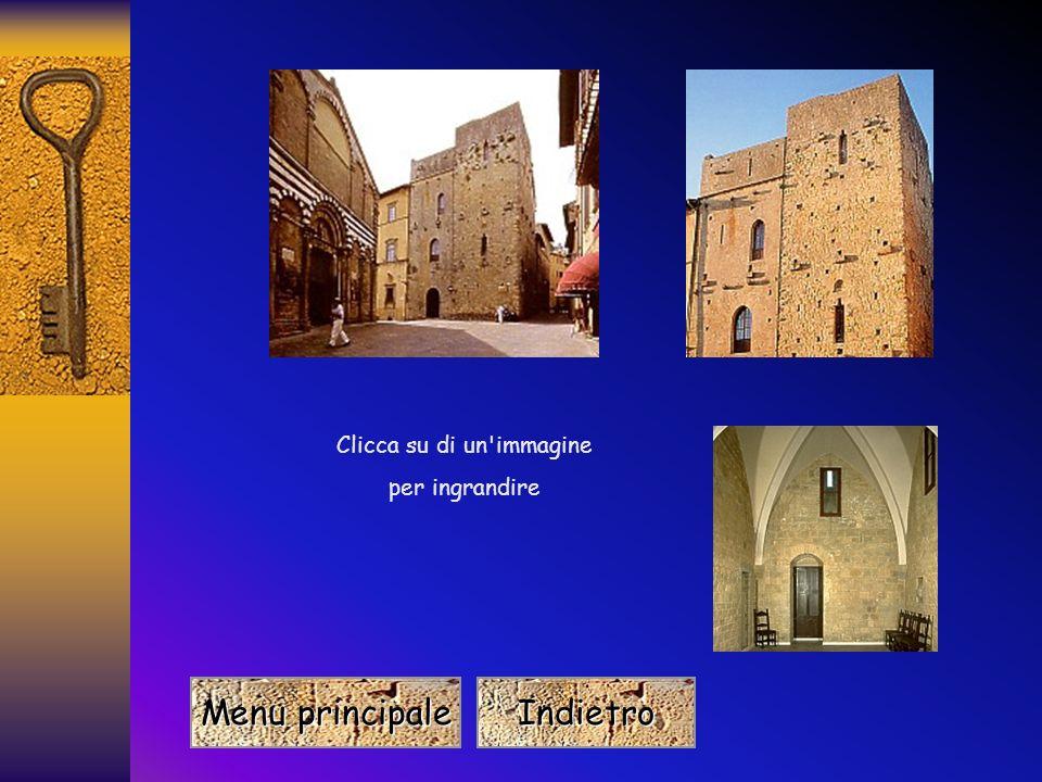 Giroldo utilizzò per la sua opera una torre già esistente, che andò a costituire un quarto di angolo dellintero Palazzo Toscano. Si nota facilmente, i