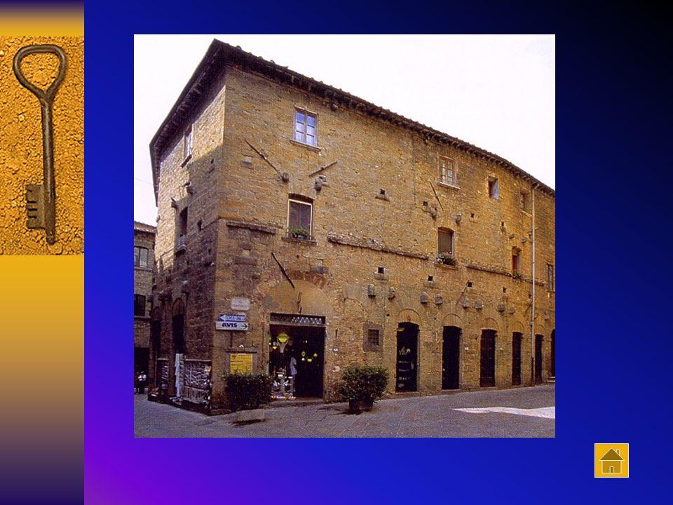 Palazzo Baldinotti Il palazzo, appartenente alla famiglia Baldinotti, costituisce il più antico esempio di edificio privato, che non sia una torre, co