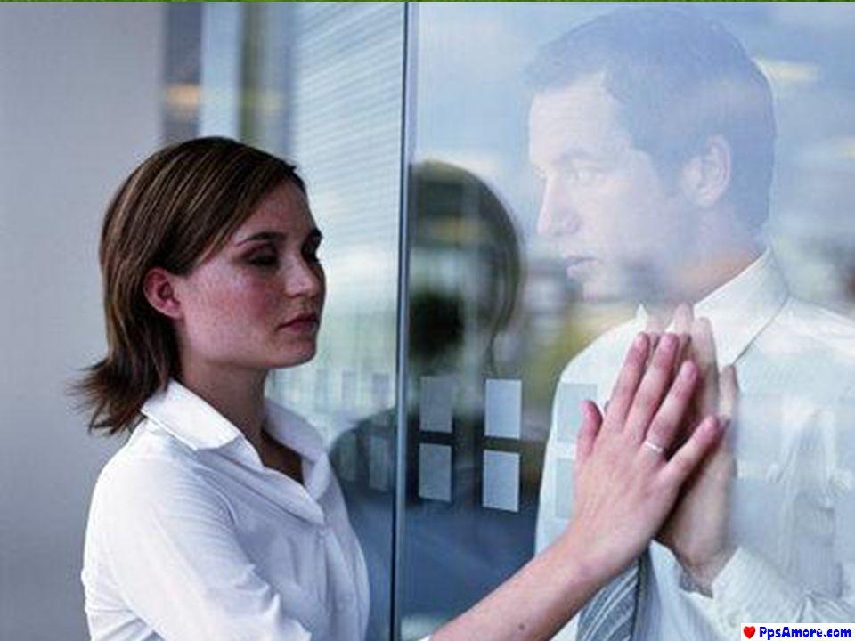 Quando, dunque, la sofferenza busserà alla porta, non lamentiamoci, non preoccupiamoci: rimaniamo testimoni silenziosi del dolore.