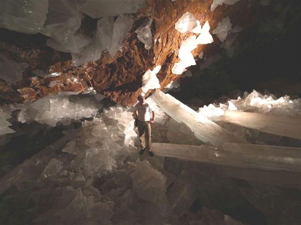 Come e perché si sono formati questi cristalli giganti? Quanto tempo fa?
