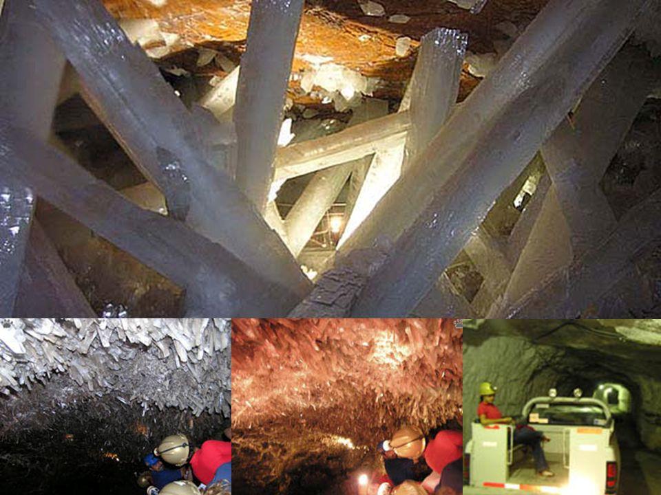 . Naica è un tipico paese minerario ubicato nel nord del Messico (latitudine 27°52'00
