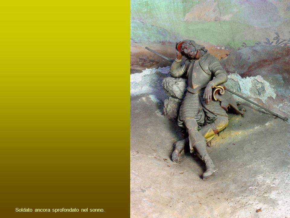 Soldato ancora sprofondato nel sonno.