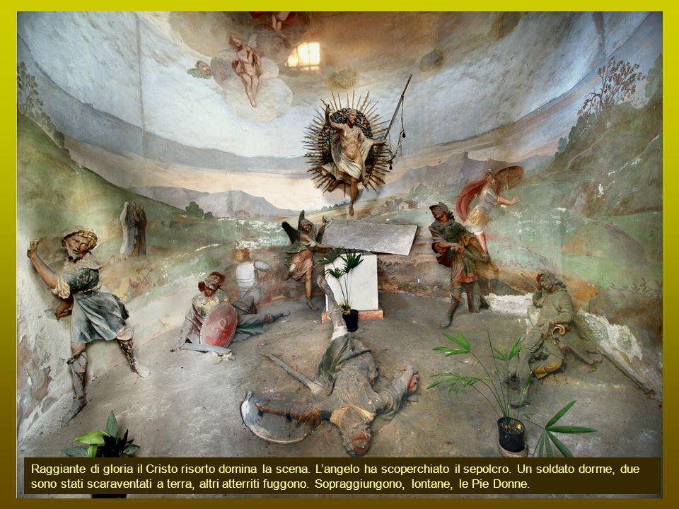 Raggiante di gloria il Cristo risorto domina la scena.
