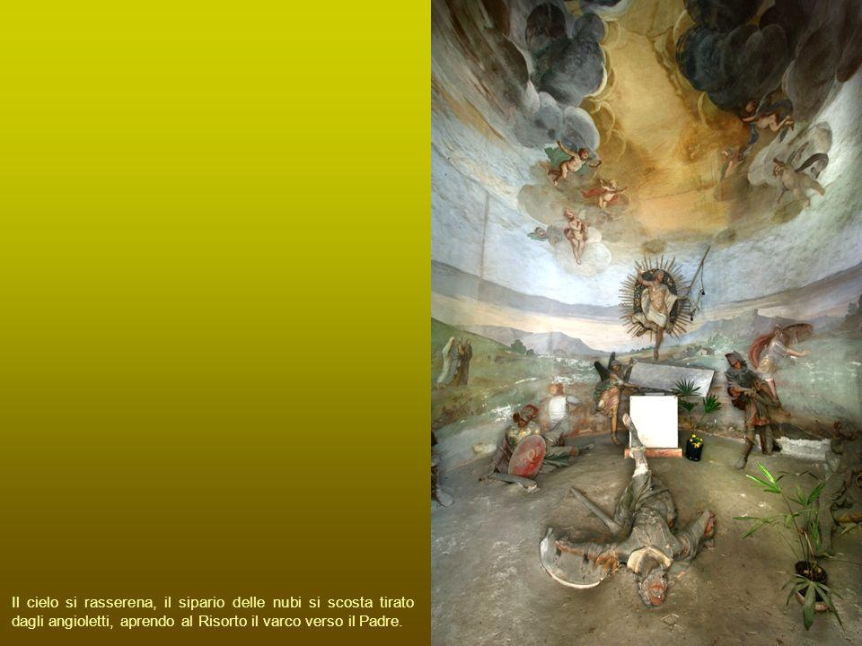 Il cielo si rasserena, il sipario delle nubi si scosta tirato dagli angioletti, aprendo al Risorto il varco verso il Padre.