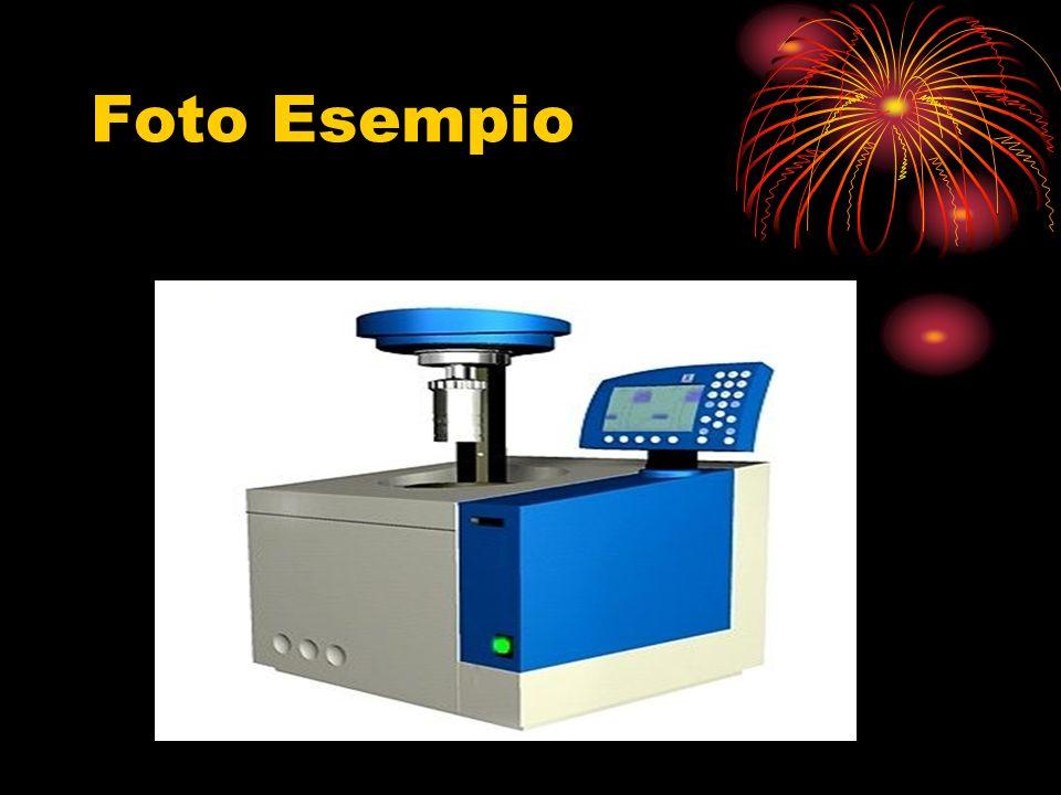 Procedimento Si pesano 0,5 g di alcol etilico (combustibile) e li si mettono dentro il becherino di quarzo della bomba; si mette una spiralina di nichel/cromo, collegata alla resistenza, a contatto con la sostanza; si immettono nella bomba 10 atm di ossigeno puro; si immerge la bomba nei 2 l di acqua del contenitore termicamente isolato; si misura la temperatura iniziale con il termometro; si fa avvenire la combustione azionando la corrente elettrica; si misura la temperatura finale del sistema; con i dati ricavati, calcolare il potere calorifico dellalcol etilico
