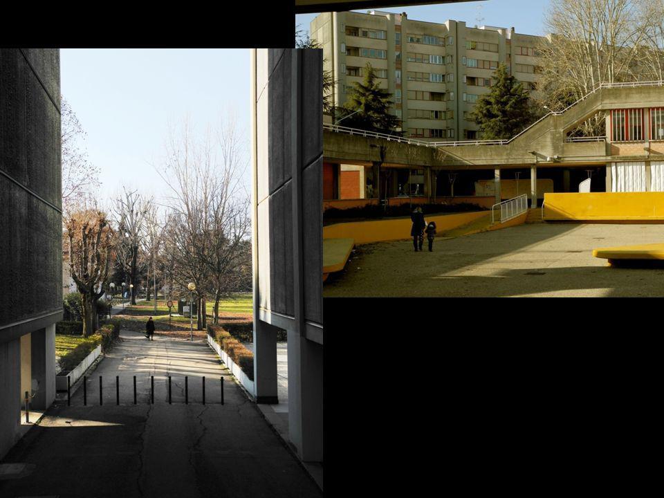 Corticella si raggiunge in automobile dal centro di Bologna tramite lasse costituito da via Matteotti e via di Corticella.