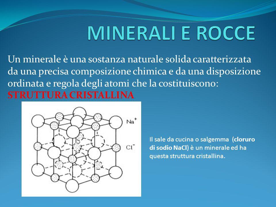 I minerali possono essere riconosciuti e classificati in base a specifiche proprietà, quali il colore, la lucentezza, la densità, ecc.