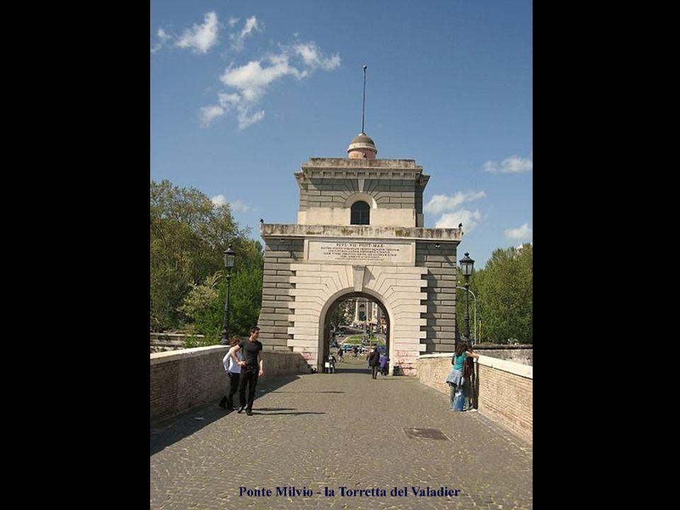 312 d.C.: nei dintorni del ponte, ebbe luogo la battaglia tra Costantino I e Massenzio nota come battaglia di Ponte Milvio o di Saxa Rubra. Secondo la