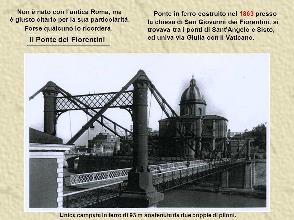 Sul ponte le statue di S.Pietro e S.Paolo, e 10 statue di angeli, opera di allievi del Bernini.