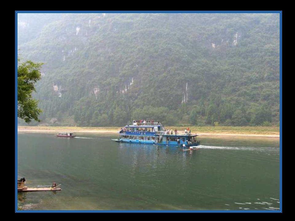 L arrivo presso il porto fluviale di Yangshuo.