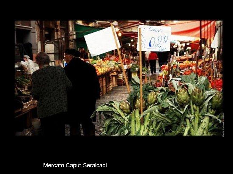 Mercato Capo in via Porta di Carini