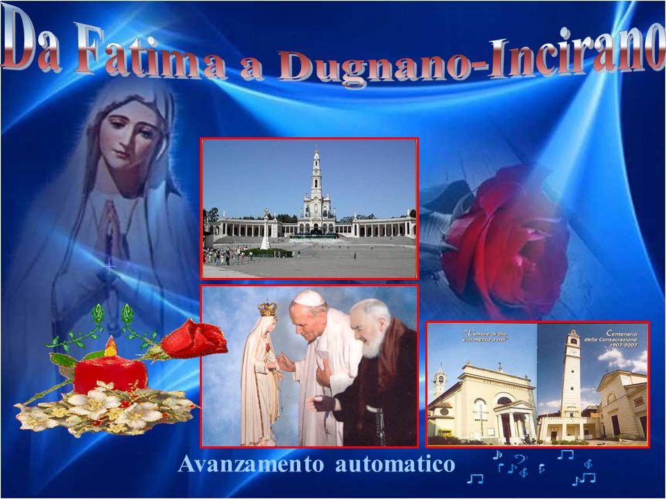 … dopo la Salve Regina e Litanie cantate in latino, la Benedizione ai fedeli con la Santa Reliquia.
