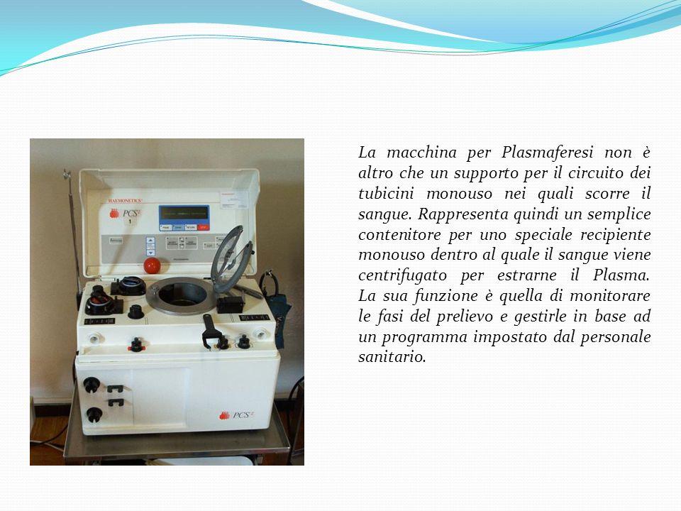 La macchina per Plasmaferesi non è altro che un supporto per il circuito dei tubicini monouso nei quali scorre il sangue. Rappresenta quindi un sempli
