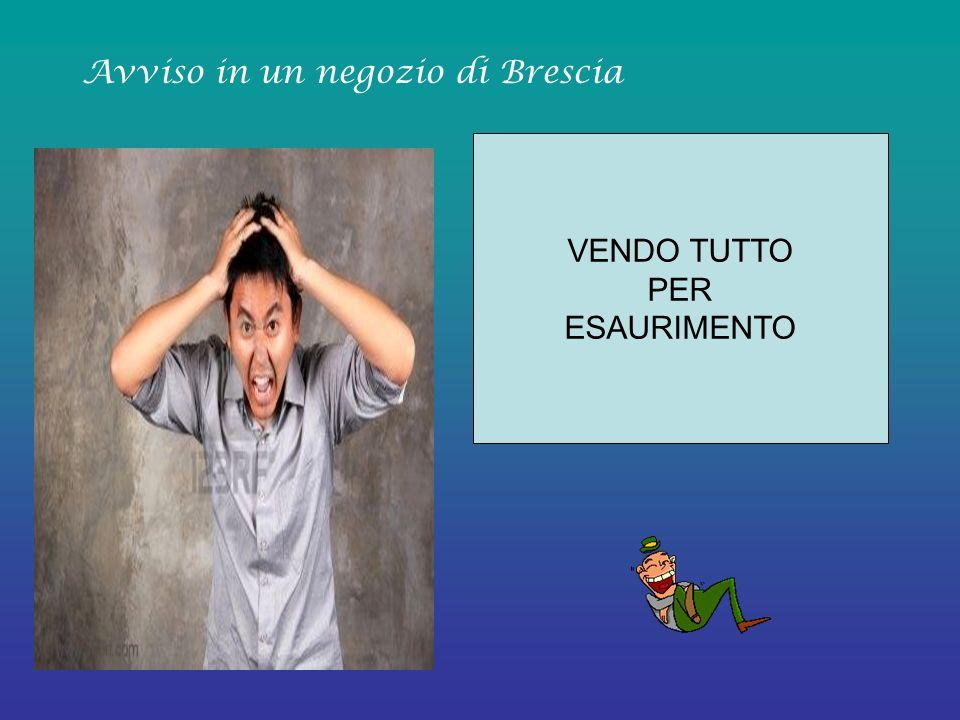 PER OGNI TAGLIO DI CAPELLI FAREMO UNA LAVATA DI CAPO GRATIS Insegna di un negozio di Reggio Calabria