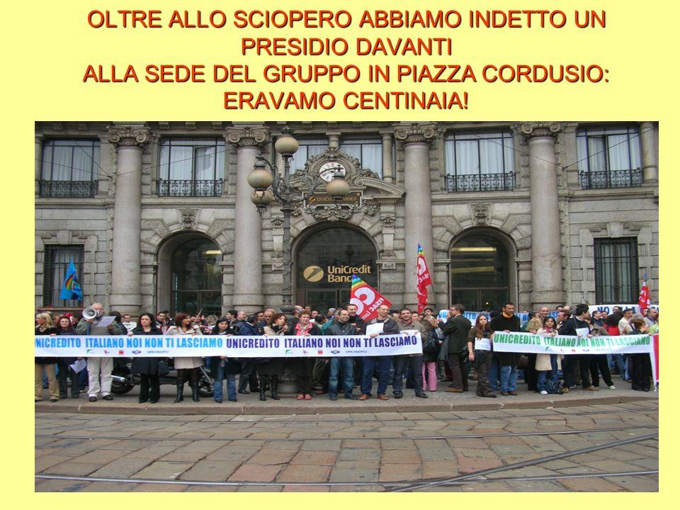 OLTRE ALLO SCIOPERO ABBIAMO INDETTO UN PRESIDIO DAVANTI ALLA SEDE DEL GRUPPO IN PIAZZA CORDUSIO: ERAVAMO CENTINAIA!