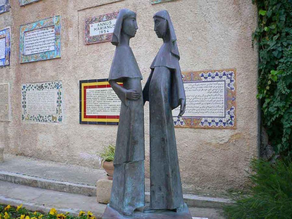 Che cosa meditava Maria nel suo cuore lungo la strada che la portava da Nazaret a Ein Karem dalla cugina Elisabetta se non la misericordia che Dio aveva usato alla loro povertà e piccolezza?