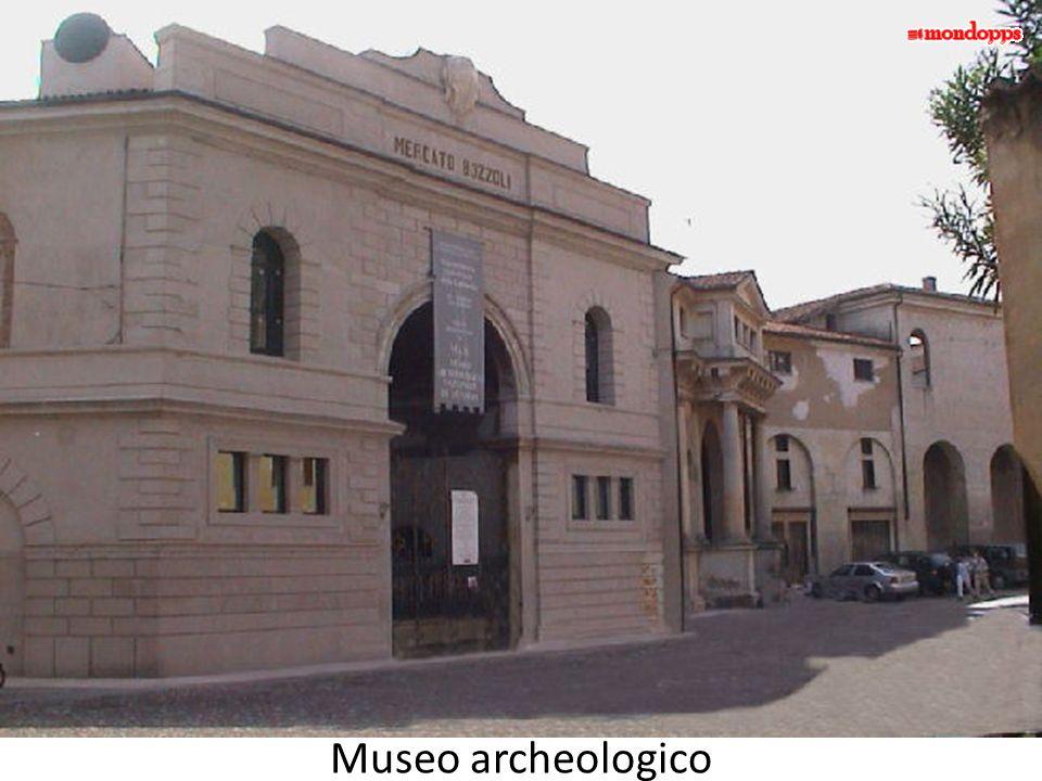 Piazza CastelloPiazza L.B. Alberti