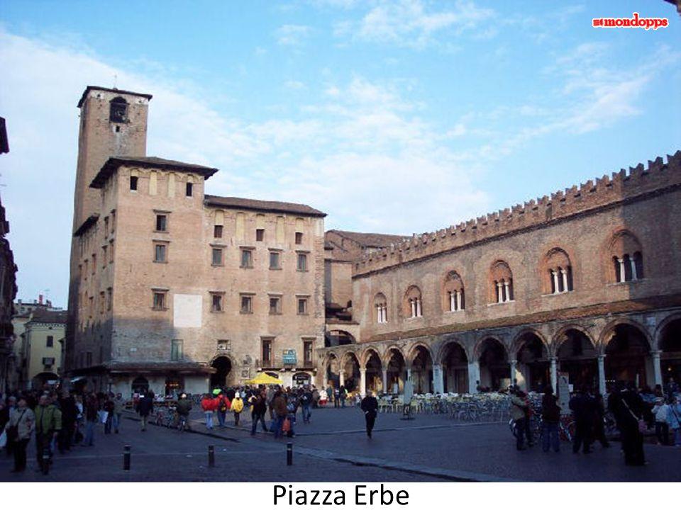 DuomoArengario Piazza Broletto