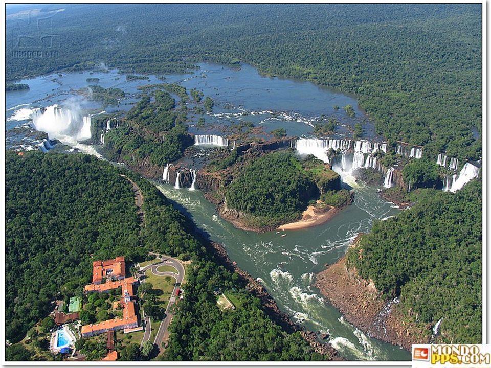 LAS CATARATAS DEL IGUAZU Provincia de Misiones ARGENTINA Le cascate di Iguazu, (Spagnolo: Cataratas del Iguazú) sono cascate generate dal fiume Iguazú
